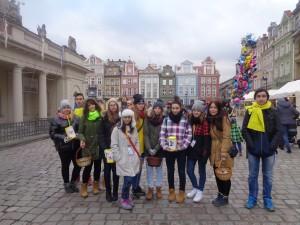 Uczniowie z Motylego wolontariatu na Poznańskim Betlejem.